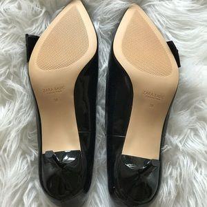 Zara Shoes - Black Bow Zara kitten heels